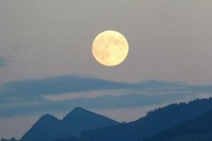 full moonfull moon